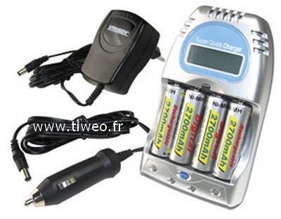 Caricatore batterie ricaricabili Ni-MH / Ni-Cd vec 4 batterie ricaricabili HR6/AA 2.700mAh