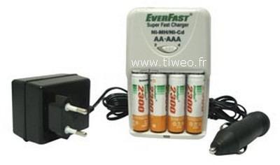 Caricabatterie per Ni-MH / Ni-CD + 4 batterie Ni-MH