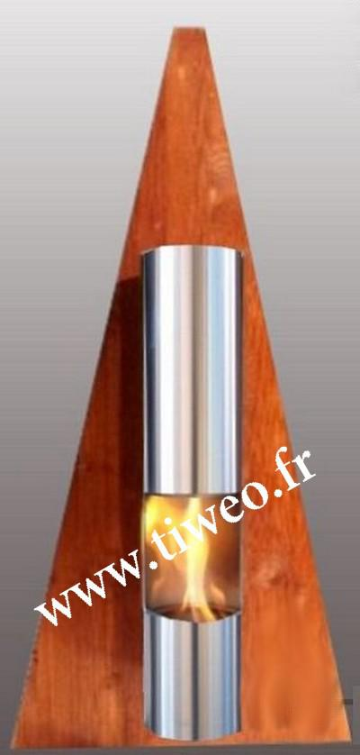 Parede da lareira etanol pirâmide cor madeira