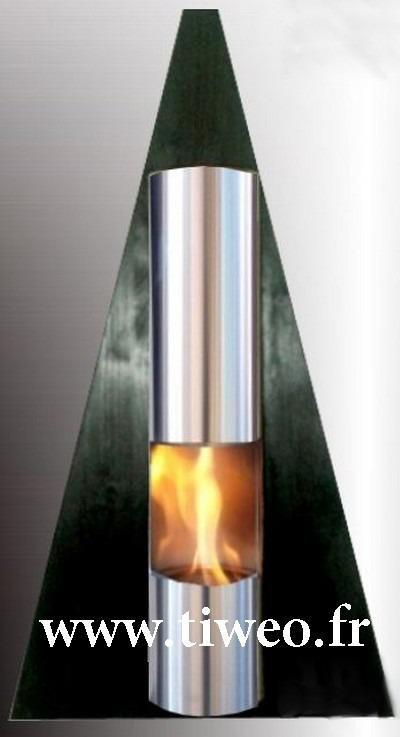 Pared de la chimenea color de etanol pirámide negra