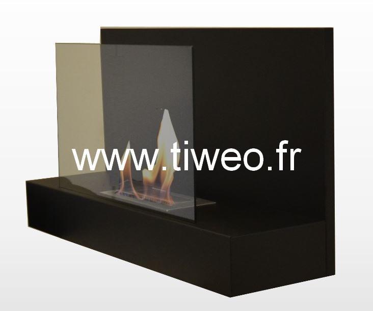 Etanol de parede preta com chaminé de vidro protetor