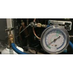 Nevera de kit recarga de gas R134a y R12