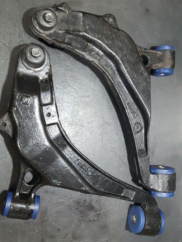 Silentbloc triangle de suspension Chrysler Voyager de 91 au 10/95